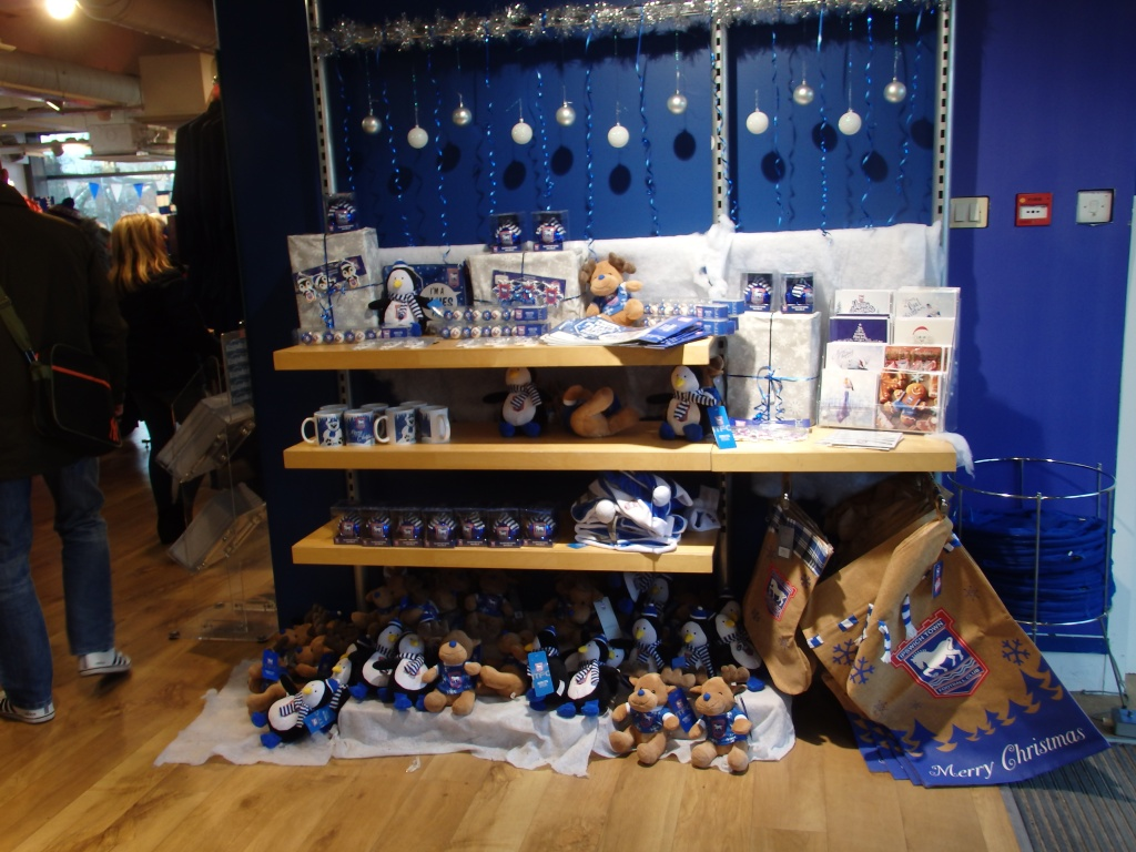 christmas club shop display
